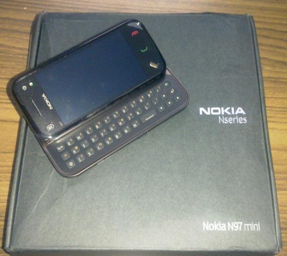 nokia-n97-mini-unboxing
