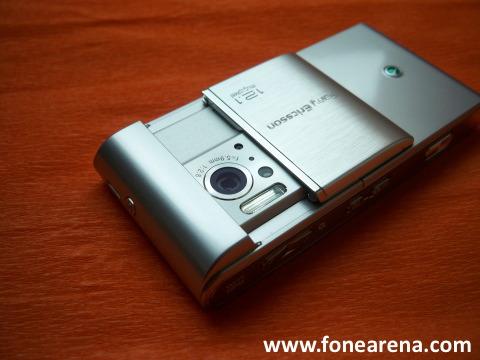 sony ericsson satio 12mp camera