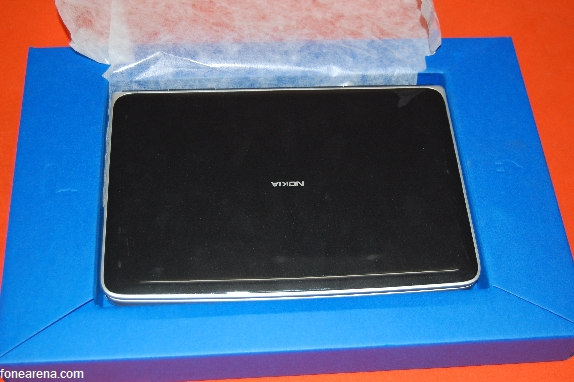 Nokia Booklet 3G in da house – Unboxing Pics